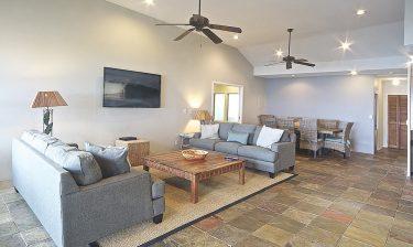 Laniakea Beachfront living room