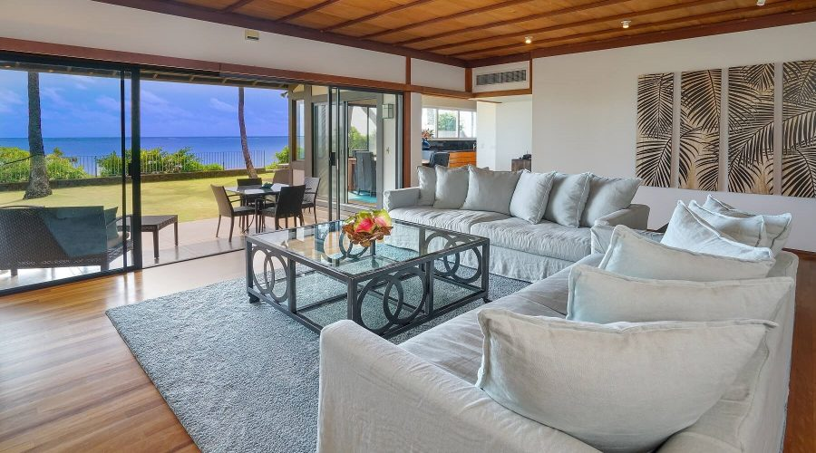 Enjoy spectacular views from one of the many properties with Hawaii Beach Homes!