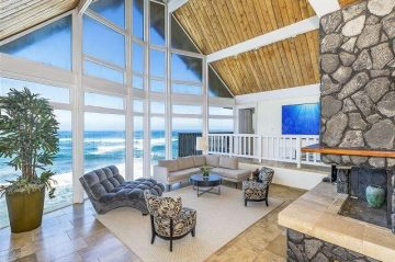 the living room with a view in The Cliff House