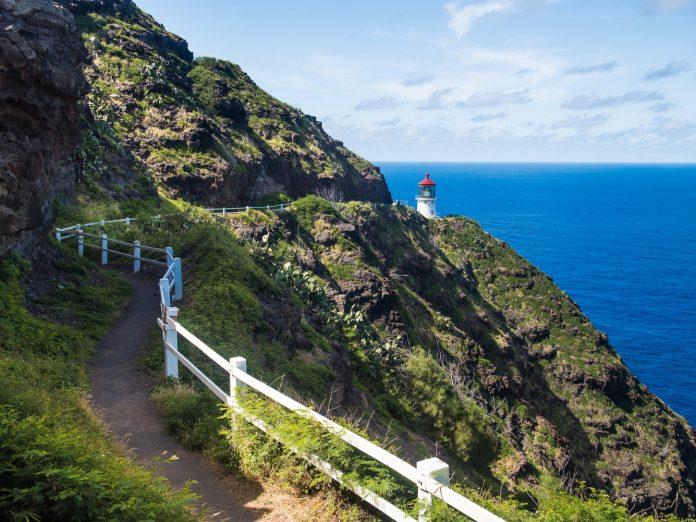 lighthouse hikes on Oahu