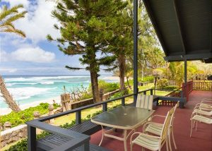 Sunset North Beachfront, a Hawaii Beach Home near Stairway to Heaven on Oahu